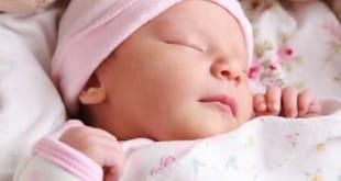 Los bebés, la posición para dormir y la muerte súbita