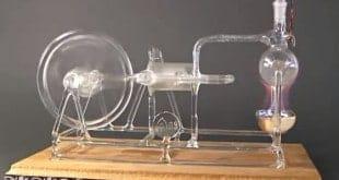 Máquina de vapor de cristal