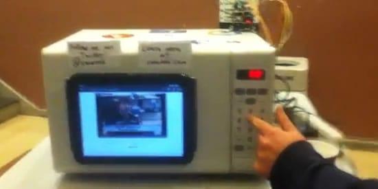 Un microondas que reproduce vídeos de YouTube