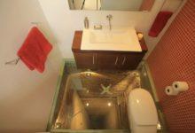 Photo of Un cuarto de baño sobre el hueco del ascensor