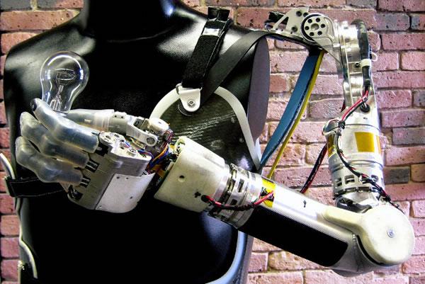 Las prótesis que leen la mente