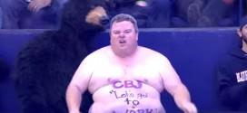 Un especial seguidor de hockey sobre hielo