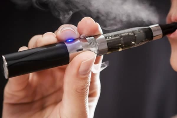Los cigarrillos electrónicos pueden infectar un ordenador