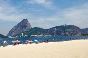 Detectadas bacterias desconocidas en las playas de Río de Janeiro