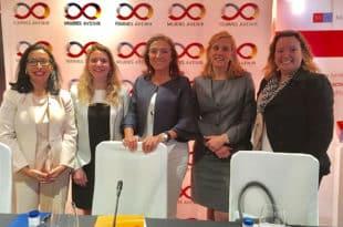 La Asociación Mujeres Avenir analizó en una tribuna los retos de la innovación digital