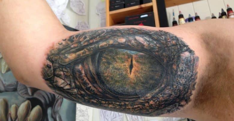 Photo of Tatuaje del ojo de un cocodrilo