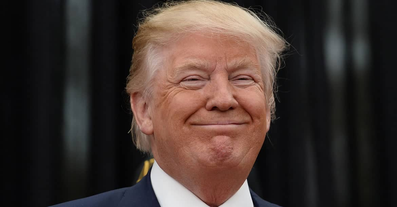 "Al buscar ""idiot"" (idiota) en Google aparece Trump"