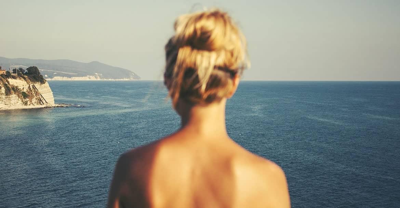 ¿Por qué sentimos vergüenza cuando estamos desnudos?