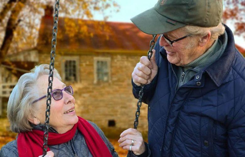 ¿Por qué las mujeres envejecen más lentamente que los hombres?