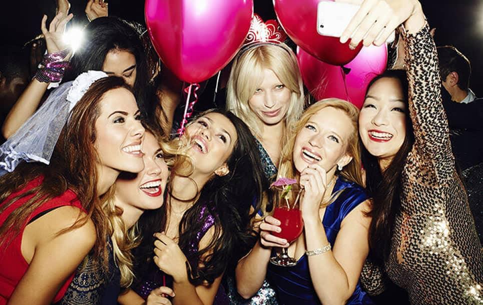 6 tradiciones curiosas que hacer en una despedida de soltero