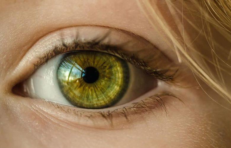 Personas ciegas podrán ver gracias a un ojo biónico