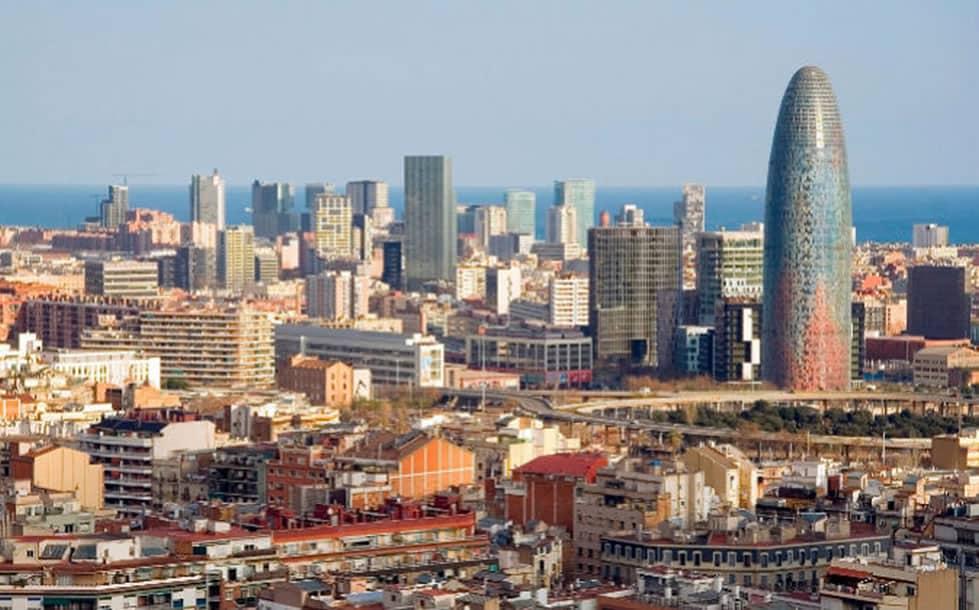 ¿Por qué descargar una aplicación que te ayude a conocer Barcelona?