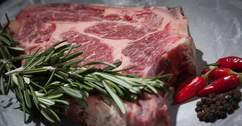 Menor riesgo de esclerosis múltiple comiendo carne roja