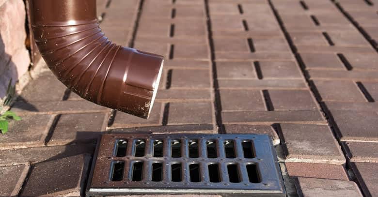 ¿Por qué es importante tener en perfecto estado bajantes y tuberías?