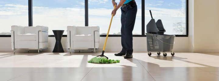 ¿Por qué invertir en una empresa de limpieza y desinfección en Barcelona?