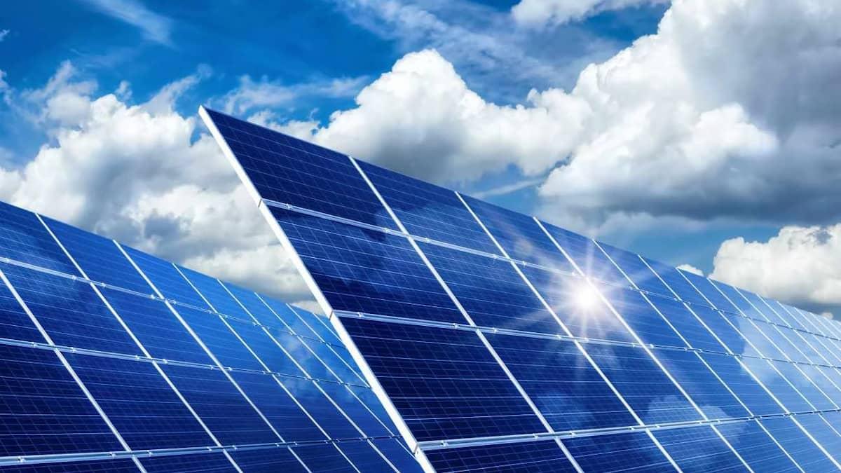 Cómo ahorrar en la factura de luz con kits solares