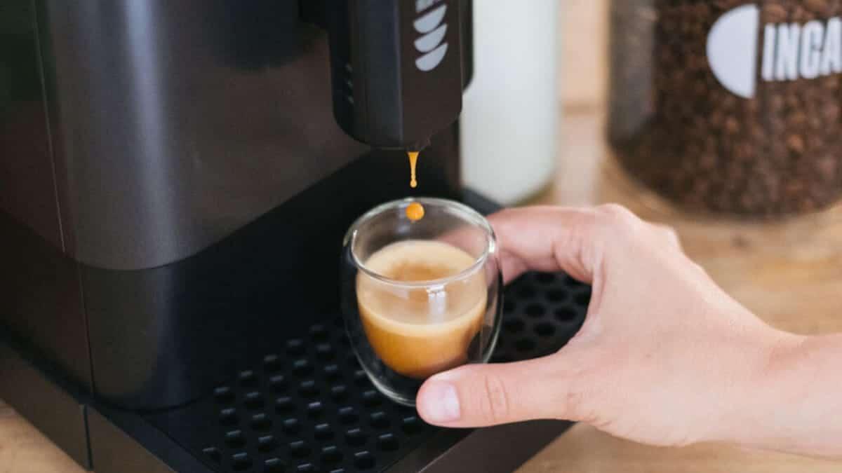 Incapto, una cafetera superautomática y superior en prestaciones al café de cápsulas