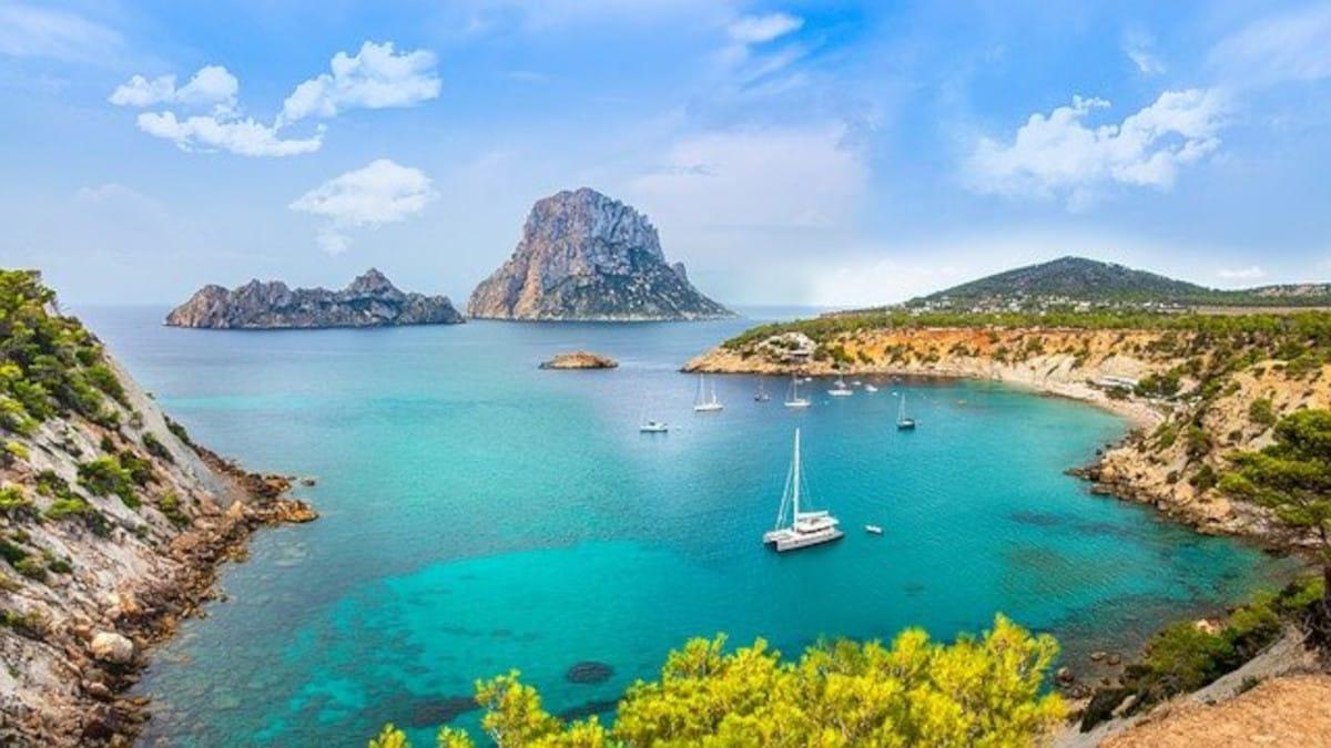 Alquiler de barcos en Ibiza: las vacaciones de lujo que mereces